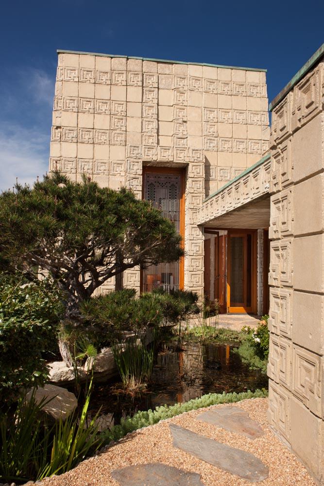 The Ennis House,  Frank Lloyd Wright,  Los Angeles, California