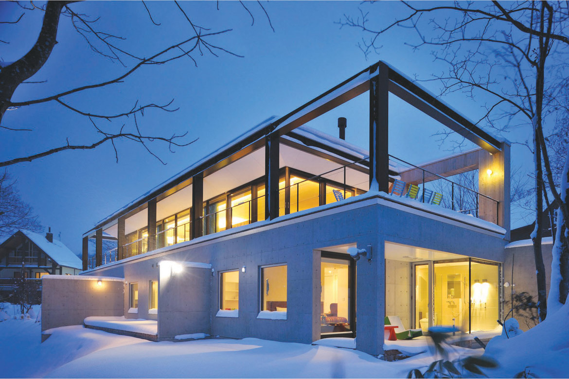 Glasshouse niseko abuta gun hokkaido japan leading for Best house resort design